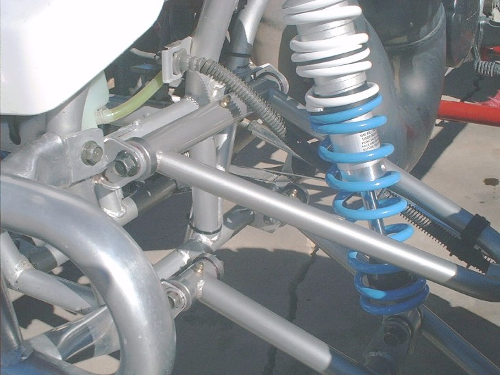 HERES  A GREAT  PICTURE  OF  BEN'S  WORKS  SHOCKS  AND  RICKY STATOR  A-ARMS.